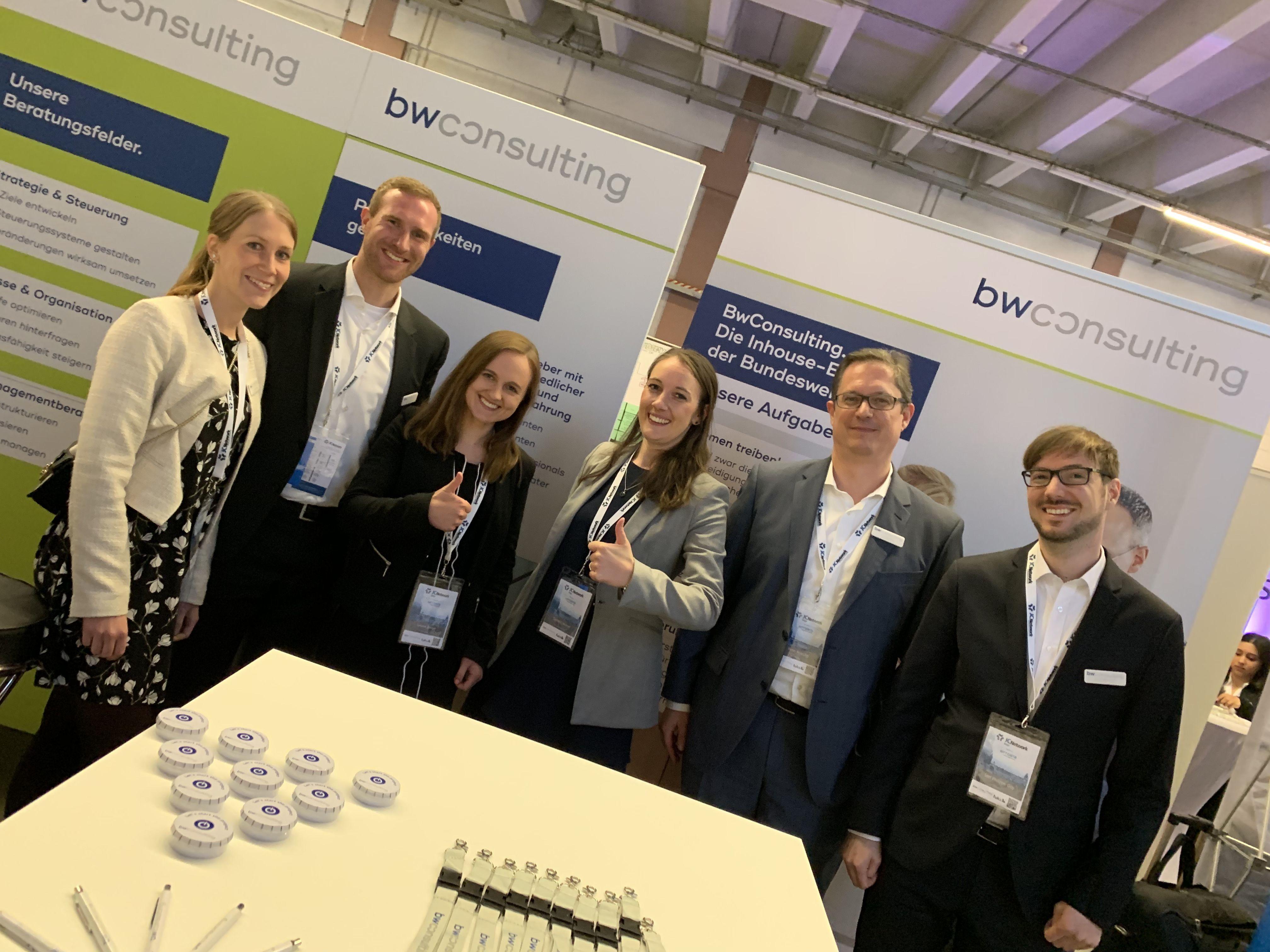 Das Team der BwConsulting: Anna Müller, Henning Seehusen, Juliane Berres, Tamara Lindner, Peter Brüning, Guy Serf (v.l.)