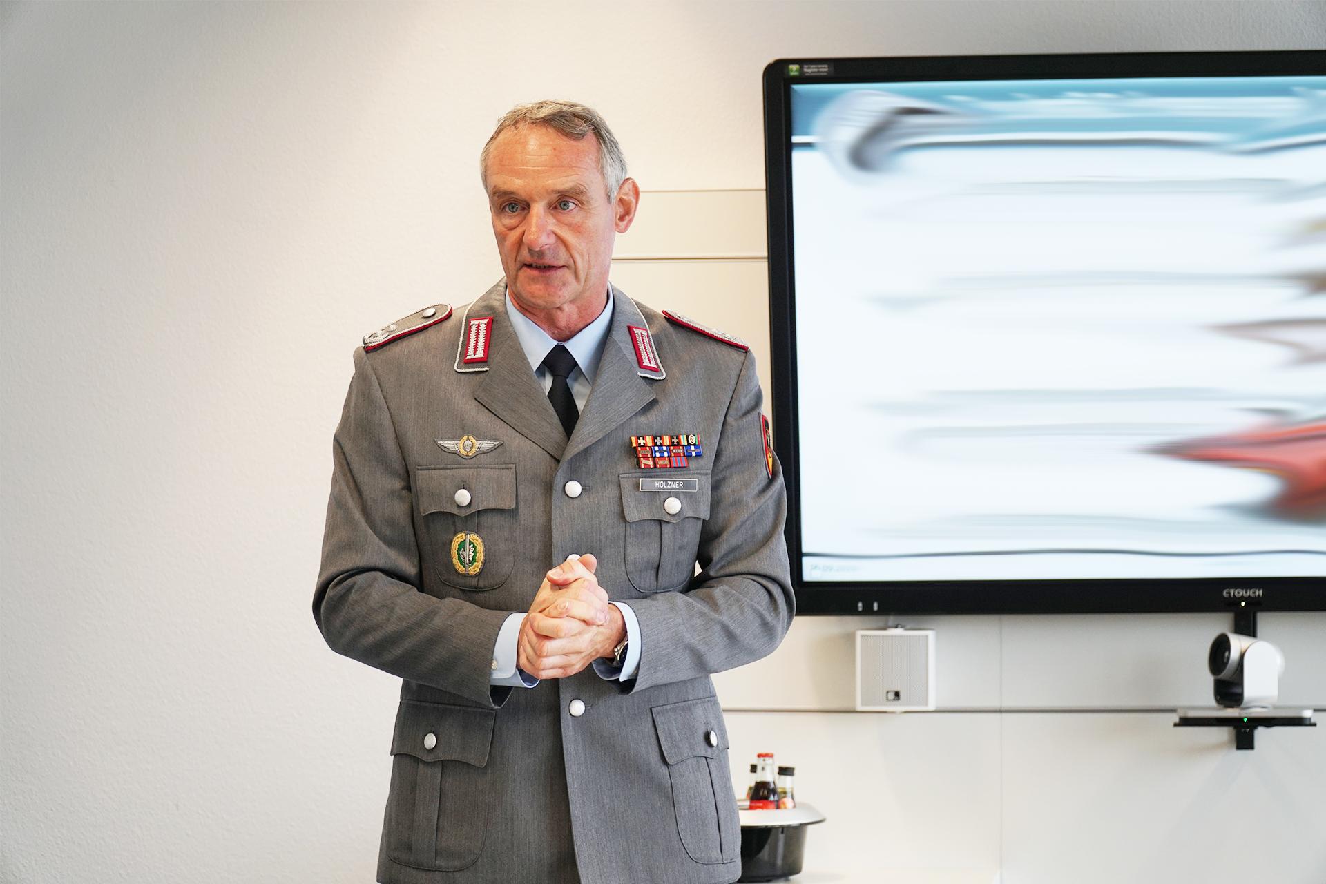 Oberstleutnant i.G. Frank Hölzner