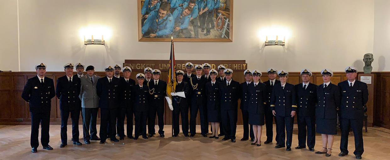 Die Crew der 77. InfoDVag bei der Marine